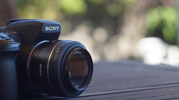 Best Mirrorless Camera Under $1000 by sony